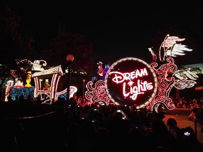 【TDL】エレクトリカルパレードの楽しみ方と注意点