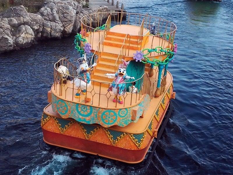 ファショナブル・イースター橙船